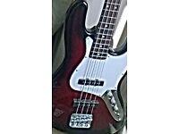 Music, bass guitar 🎸 an amp