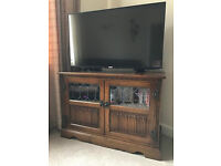 Old Charm TV/Entertainment unit, traditional light oak with traditional fittings