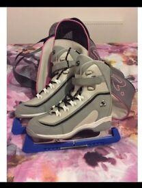 Ice-skates - size 6