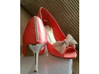 Ladies shoes ( size 5)