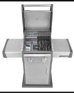 NAPOLEON LEGEND BBQ - LD325 WITH COVER AND  PROPANE TANK