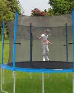 "Trampoline 12"" with new enclosure (Beloeil)"