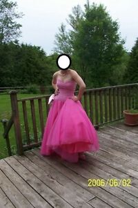 Very pretty pink prom dress.
