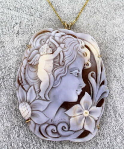 Shell Cameo Pendant Necklace in 14kt rolled gold Wire Wrapped  - Angel