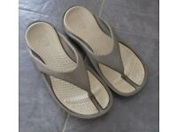 New & Used Men's Sandals & Beach Shoes for Sale in London