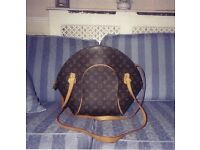 Louis bag,beautiful,excellent condition used a few times.Eclipse range with purse on front.