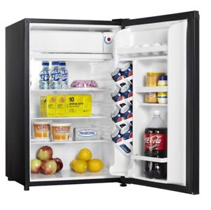 Danny Black Compact Fridge 4.4 cubic feet