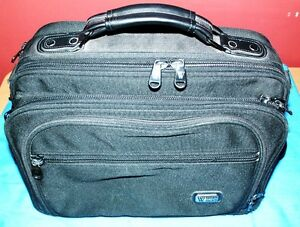 COMPUTER BAG WITH LOTS OF COMPARTMENTS