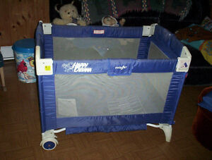 Roll & Go Evenflo playpen play pen horse pad included