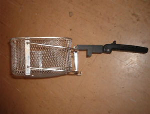 Deep fryer basket,,VG condition almost new $6.00