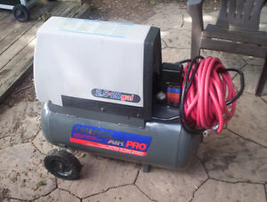 20 Gallon Charge Air Pro Oil Free Air Compressor DeVilbiss Co.