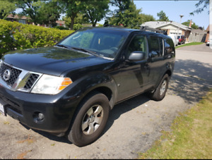 2008 Nissan Pathfinder Limited SUV, Crossover