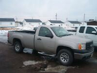 2007 REG CAB GMC 2WD V8 LOW KMS