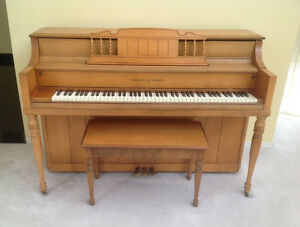 Hobart M. Cable maple wood piano in excellent condition