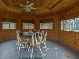 4 BDR house near Wharncliffe and Commissioners for Rent - $1600 London Ontario image 11