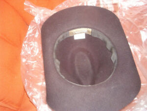 Felt Cowboy hat.VG condition, $20.00 can deliver