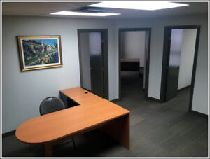 Locale Commercial a Louer / Commercial Space for Rent Decarie