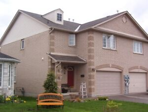 BEAUTIFUL and SPACIOUS house in south Barrie with huge bedrooms