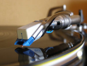 Shure White Label DJ turntable Cartridge. Very low hours!