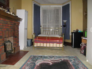 BIG ROOM FOR 2 STUDENTS TO SHARE--AVAILABLE IMMEDIATELY