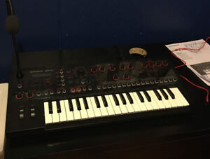 Roland MINT JD/Xi Digial/Analog crossover synth.