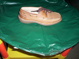 mens size 8 leather deck boat shoes & Weekenders sandal shoes