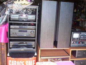 Technics stereo system, speakers & remote