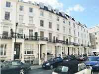 We are happy to offer this newly refurbished studio flat on a quiet street, Bayswater, W2