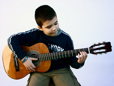 CHILD'S HIGHER QUALITY 1/2 SIZE GUITAR AGES 5-8 WITH SAFE & EASY NYLON STRINGS