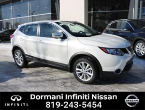 2018 Nissan Qashqai SV AWD, CAMERA, NISSAN CERTIFIED. RATE FROM