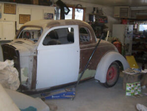 1935  Plymouth Coupe