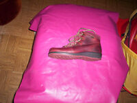 womens 8.5 Martino maroon leather winter boots lace up ankle