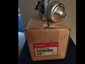 honda 16100-z0l-852 carburetor. Original Honda and new.