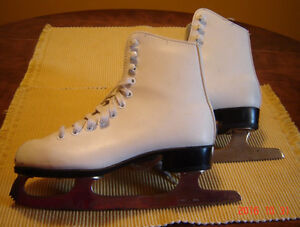REDUCED! CCM Competitor Size 3 West Island Greater Montréal image 1