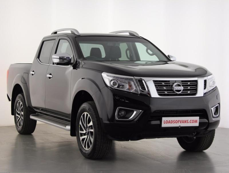 2017 nissan navara double cab pick up tekna 190 4wd diesel black manual in sutton. Black Bedroom Furniture Sets. Home Design Ideas