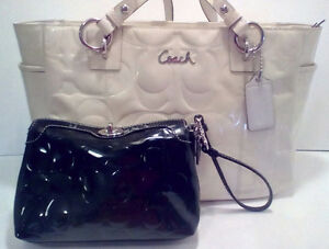 COACH:  Creme Patent  *****SOLD PENDING PICK UP***
