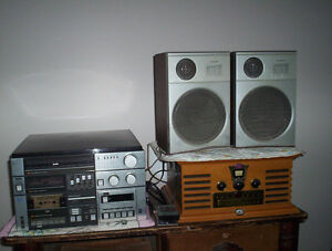 vintage Lloyds stereo tape & record player turntable radio with