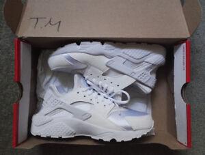 Nike WMNS Air Huarache Run -- White (Size 8 (US)/ Size 39 (Eur))