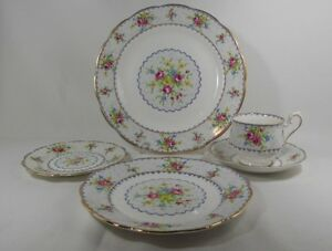 Royal Albert Petit Point   Dinnerware ....Dishes 8 place setting