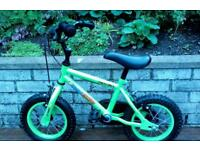 APOLLO kids bicycle with stabilisers