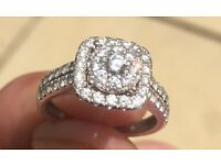 ONE OFF - 9CT WHITE GOLD - 1CT ALASKA DIAMOND Square Cluster Ring. Size K. £1100 ONO