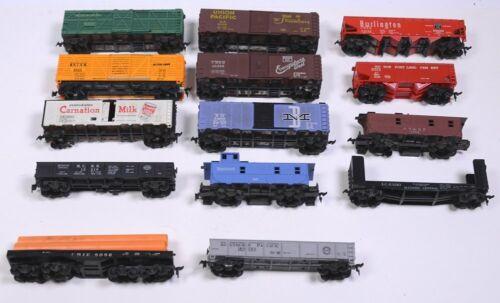 (14) Vintage Train Cars HO Gauge: Burlington CARNATION MILK Union Pacific AT&SF