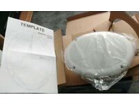 2x 100W 8Ω water resistant speakers