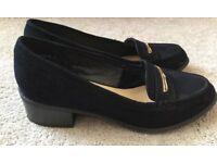 Black size 5 shoes