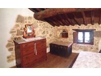 Traditional stone villa Tuscan panorama Italy relax therme lowcost