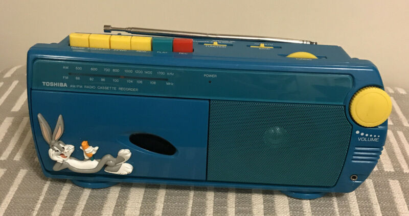 Toshiba Bugs Bunny Looney Tunes Tronics AM/FM Radio & Cassette Player