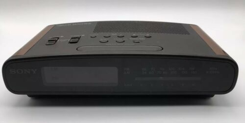 Vintage Sony Dream Machine ICF-C420 Dual Alarm AM/FM Clock Radio Wood Grain