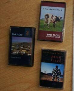 Cassettes, verres et livre, drapeau (flag) de Pink Floyd