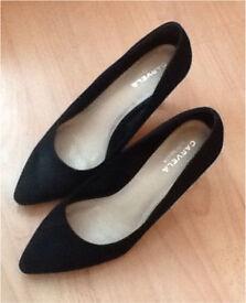 Carvela Kurt Geiger size 6 faux suede court shoe