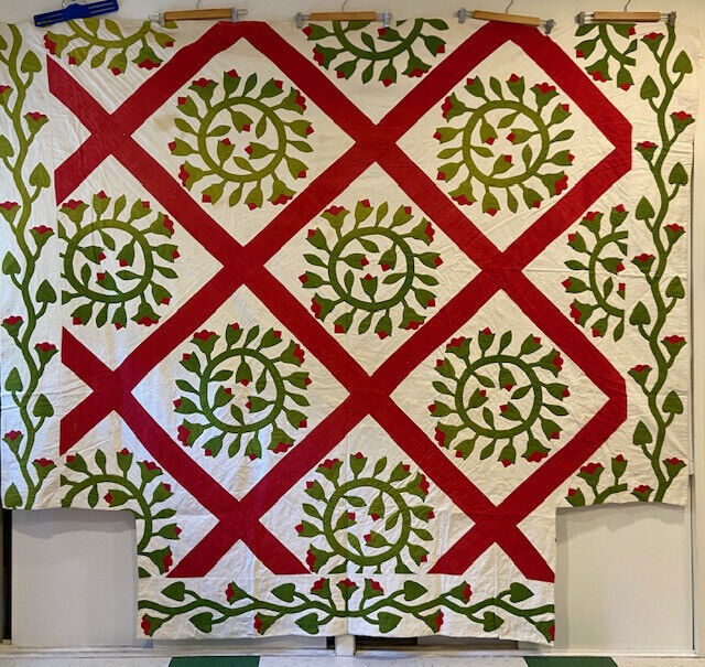 1870 Antique Red Green Hand Applique Wreath Quilt, 4 Poster Bed Coverlet, Rare